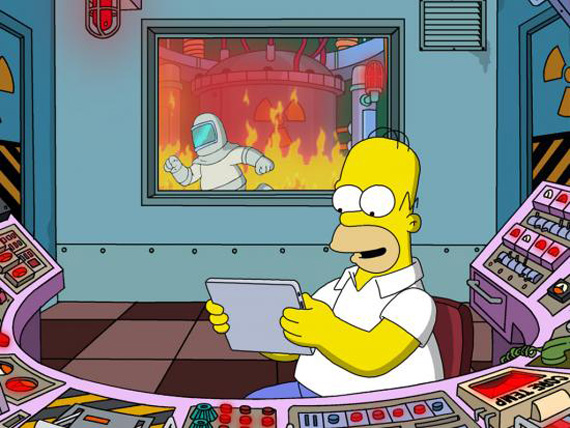 homer_simpson_reading_on_a_tablet